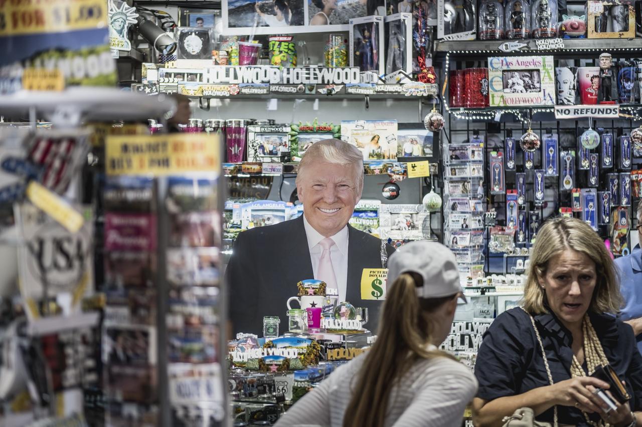 Trump en Hollywood / Zaragoza Walkers