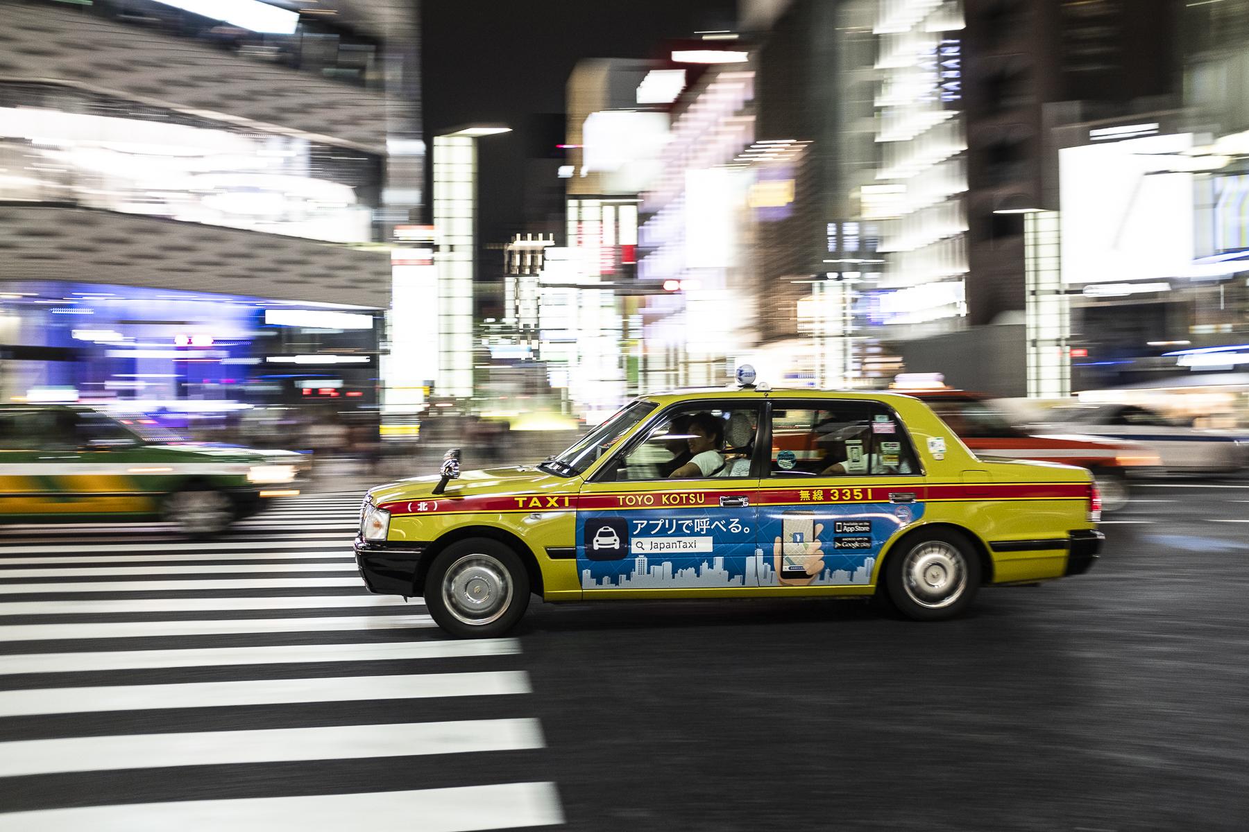 Taxi de noche TOKYO, JAPON // ZARAGOZA WALKERS