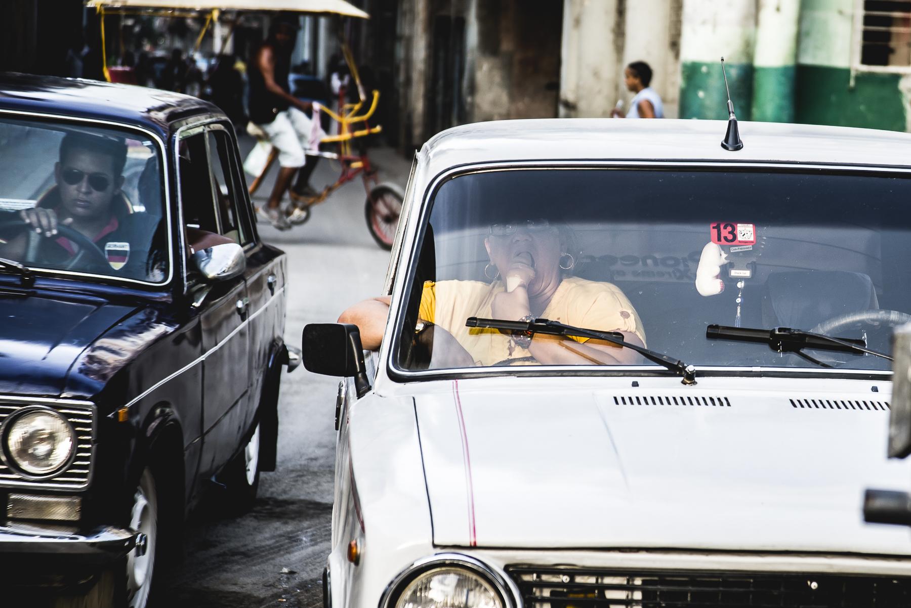 Coches en La Habana, Cuba / Zaragoza Walkers /streetphoto, fotografía callejera